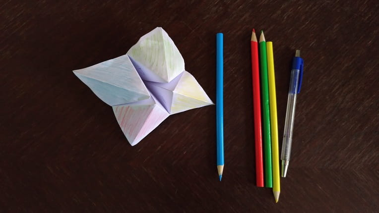 Fortune Teller (paper finger game how-to!) I can't wait until my ... | 430x764